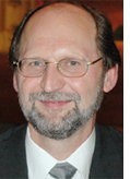 Dr. Karl-<b>Heinz Kampert</b> wurde von der American Physical Society (APS) zum <b>...</b> - 0608_kampert