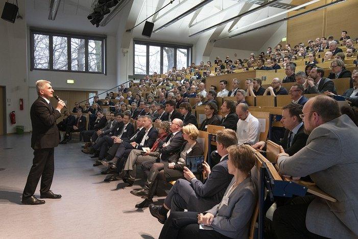Minister Pinkwart sprach über die Möglichkeiten Künstlicher Intelligenz